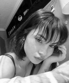 İcon Aesthetic Women, Bad Girl Aesthetic, Cute Girl Poses, Girl Photo Poses, Girl Pictures, Girl Photos, New Hair, Your Hair, Icon Girl