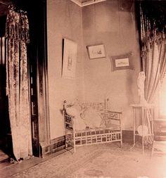 Bamboo settee!!!! Pratt-Campbell Mansion Interior View circa 1890 Wichita, KS by kendahlarama, via Flickr Victorian Rooms, Victorian House Interiors, Victorian Parlor, Vintage Interiors, Mansion Interior, Rare Photos, Home Accents, Old World, 19th Century