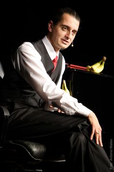 Hagen Rether, one of the greatest contemporary German cabaret artists.