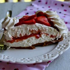 Double Layer No Bake Strawberry Cheesecake Lemon Cheesecake Recipes, No Bake Cheesecake, Strawberry Cheesecake, Summer Cheesecake, Fancy Desserts, No Bake Desserts, Delicious Desserts, Dessert Recipes, Sugar Free Pudding