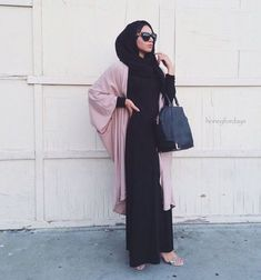 Pinterest: eighthhorcruxx. Black abaya and pink cardigan., hijâbi, and hijab image