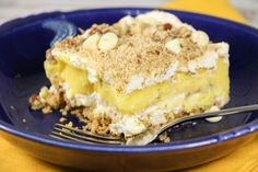 If you loved our layered banana split recipe, you'll ADORE this Layered Vanilla Pudding Dessert