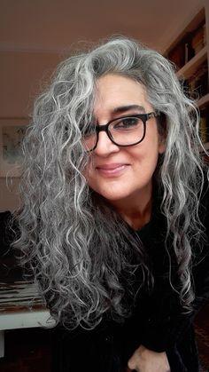Curly Silver Hair, Silver White Hair, Colored Curly Hair, Curly Hair Cuts, Curly Hair Styles, Gray Hair Women, Grey Hair Styles For Women, Grey Hair Over 50, Long Gray Hair
