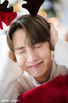 J-hope (Hoseok) of BTS : Christmas Special 🎄🎁 Foto Bts, Bts Photo, Jung Hoseok, K Pop, Vlive Bts, Bts Bangtan Boy, Gwangju, Mixtape, Fanmeeting Bts