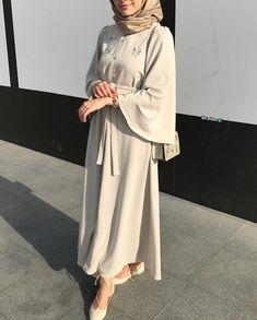 Modest Outfits Muslim, Modest Fashion Hijab, Modesty Fashion, Abaya Fashion, Muslim Fashion, Fashion Outfits, Beautiful Dress Designs, Mode Abaya, Backless Prom Dresses