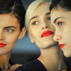 beauty-student:the shape of that lipstick is literally to die for…