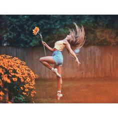 Brandon Woelfel is a Photographer based in New York. He created a unique style with unique photo edits. Brandon Woelfel said his career was growing too fast Dance Picture Poses, Dance Photo Shoot, Dance Poses, Dance Pictures, Dance Photography Poses, Gymnastics Photography, Creative Photography, Amazing Photography, Photography Ideas