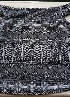 Kupuj mé předměty na #vinted http://www.vinted.cz/zeny/topy-and-tank-topy-bez-rukavu/9263341-top-s-vystrihem-typu-carmen-a-azteckym-vzorem