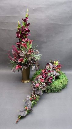 Idea Of Making Plant Pots At Home // Flower Pots From Cement Marbles // Home Decoration Ideas – Top Soop Fall Flowers, Wedding Flowers, Moss Wreath, Cemetery Decorations, Memorial Flowers, Cemetery Flowers, Modern Flower Arrangements, Sympathy Flowers, Funeral Flowers