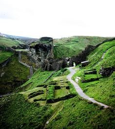 Tintagel, home of King Arthur.Tintagel Castle	Tintagel in | http://your-my-famous-castles.blogspot.com