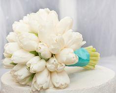 """Свадебный букет """"Белое облачко"""" (основные цветы: Тюльпаны) - заказать с доставкой"""