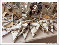 mercatini di natale, mercatini, atmosfera natale, oggetti legno, country, shabby,