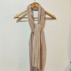 Dusty rose scarf Lightweight pale pink scarf, perfect for warmer months H&M Accessories Scarves & Wraps