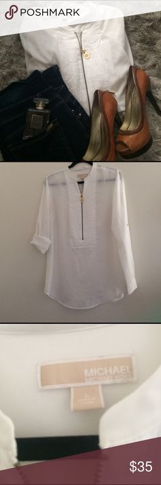 🎂Michael Kors🎂 White blouse with Gold detail zippers, long sleeve with the opportunity to turn short sleeve as it can be rolled up and buckled into the gold buttons. This top has a functional front zipper that can be adjusted to fit any bust size . MICHAEL Michael Kors Tops Button Down Shirts