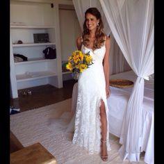 Stunning Tati Welker! Wedding Dress Atelier Carla Gaspar.