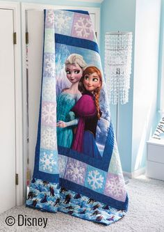 Disney& Frozen quilt kits are ready to order in limited quantites. Colchas Quilting, Quilting Projects, Crafty Projects, Quilting Ideas, Frozen Quilt, Frozen Fabric, Frozen Bedroom, Frozen Bedding, Disney Quilt