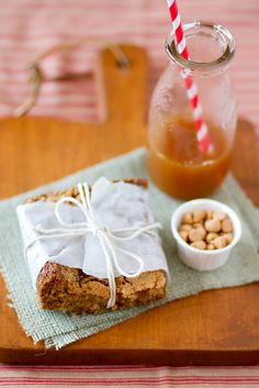 Wonderful all autumn long, when apples are in fresh abundance: Apple Butterscotch Bars.