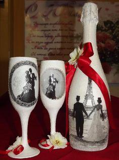 Одноклассники Beer Bottle Crafts, Wine Glass Crafts, Wine Bottle Art, Plastic Bottle Crafts, Wedding Wine Glasses, Wedding Champagne Flutes, Decoupage Glass, Decoupage Vintage, Decorated Wine Glasses