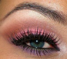 eye makeup, i need to try this.