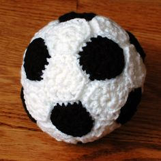 Crochet soccer ball -- idea