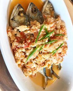 Casa Baluarte Filipino Recipes: Fish Sarciado Recipe – Famous Last Words Filipino Tilapia Recipe, Fish Recipe Filipino, Filipino Dishes, Filipino Recipes, Greek Recipes, Filipino Food, Spicy Chicken Recipes, Easy Fish Recipes, Home