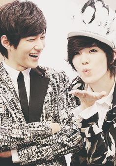 L & Sungjongie~ myungsoos smile is so cute