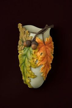Beautiful Fall Leaves Wall Vase/Wall Pocket made from bonded marble and hand painted in great detail. Ceramic Flowers, Clay Flowers, Flower Vases, Flower Pots, Pottery Vase, Ceramic Pottery, Ceramic Art, Pottery Painting Designs, Pottery Designs
