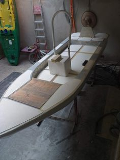 Kayak Boats, Canoe And Kayak, Canoes, Kayaks, Wooden Boat Building, Boat Building Plans, Boat Plans, Small Fishing Boats, Small Boats