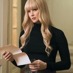 Jennifer Lawrence Bangs, Jennifer Lawrence Red Sparrow, Jennefer Lawrence, Prettiest Actresses, Long Hair With Bangs, Celebs, Celebrities, Hair Dos, Celebrity Style