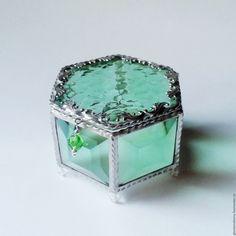 Handmade Emerald. Glass box for wedding rings - glass box, wedding rings