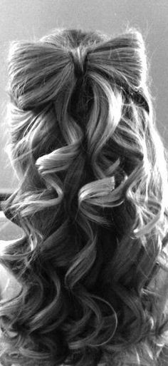 <3 i want to do this for my flower girls hair if she has hair long enough! SOPH BETTER GET THAT STUFF GROWING! @Kaylin Hasenohrl Griffin