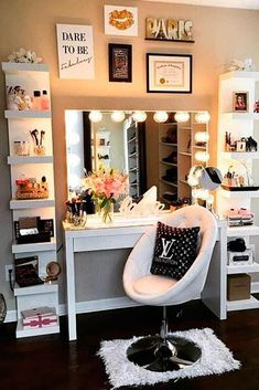 36 Most Popular Makeup Vanity Table Designs 2019 - Beauty Room & Office Inspiration - Makeup Table Vanity, Vanity Room, Vanity Decor, Vanity Ideas, Makeup Vanities, Vanity Mirrors, Mirror Ideas, Diy Mirror, Makeup Desk