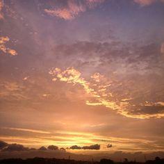 夕焼け 風強い #空 #夕空 #夕焼け #夕日 #夕陽 #sky #skyline #sunset #sun  #japan #landscape  #daily #instagram #instaoftheday ##instadaily #instagood #picture #photo