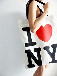 Find images and videos about girl, bag and nyc on We Heart It - the app to get lost in what you love. I Love Nyc, My Love, Visit New York City, Stylish Coat, Ny Ny, Magazine Cover Design, City That Never Sleeps, Favim, Pink Love