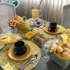 54 Ideas For Breakfast Ideas Decoration Brunch Coffee Break, Coffee Time, Brunch Mesa, Vegan Teas, Romantic Table Setting, Come Dine With Me, Dining Etiquette, Best Breakfast, Breakfast Ideas