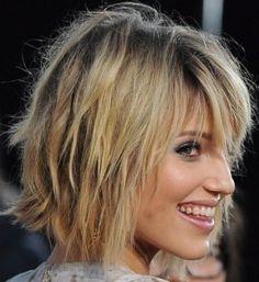 Quali saranno i tagli, le tendenze e i colori più cool della moda capelli dell'autunno inverno 2017-2018? Ecco nel dettaglio, trend...