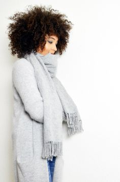 #mercredie #blog #mode #fashion #blogger #curly #hair #natural #afro #curls #nappy #4c #mixed #girl #richelieu #derbies #white #outfit #inspiration #ripped #currentelliott #current #elliott #jeans #mariniere #striped #top #vila #acne #cardigan #long #oversized #oversize #giant #scarf #wool #knit #grey