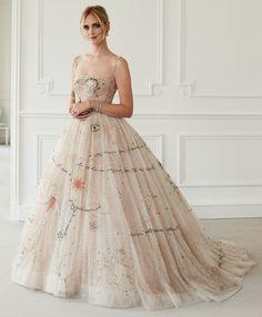Really glamorous gown or boho wedding dress! Chiara Ferrangni know how to pick t - Dior Dress - Ideas of Dior Dress - Really glamorous gown or boho wedding dress! Chiara Ferrangni know how to pick them. Dior Wedding Dresses, Boho Wedding Dress, Bridal Gowns, Wedding Gowns, Prom Dresses, Formal Dresses, Mermaid Wedding, Dior Dress, Dress Up