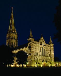 Light + Design - Salisbury Cathedral. Façade Lighting