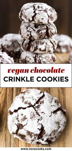 Chocolate Christmas Cookies, Chocolate Crinkle Cookies, Chocolate Crinkles, Vegan Chocolate, Chocolate Recipes, Holiday Cookies, Vegan Sweets, Vegan Desserts, Dessert Recipes