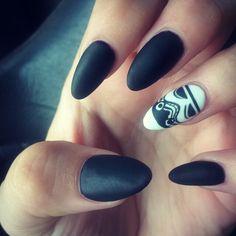 Kami Kelley's Star Wars nails!! Storm trooper! #stormtrooper #starwars #nails