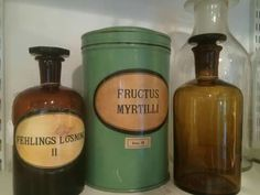 Murarebacken Inredning och Antik#apoteksflaskor