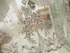 フレンチレース・カーテン(在庫2枚) - イギリスとフランスのアンティーク | バラと天使のアンティーク | Eglantyne(エグランティーヌ)