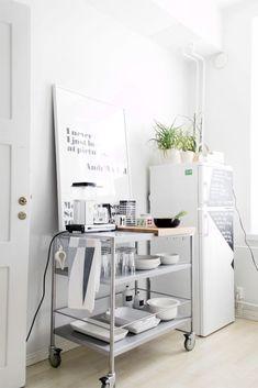 Een stoere musthave voor in de keuken: een trolley! - MakeOver.nl