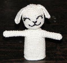 White Dog | CrochetBot 3000