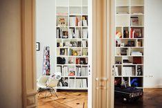 20 magnifiques exemples de bibliothèques sur mesure  http://www.designiz.fr/2012/01/24/20-magnifiques-exemples-de-bibliotheques-sur-mesure/