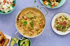 Med vår Thai Curry grytbas gör du en färdig Chicken Curry på nolltid. Vi har redan fixat den thailändska basen åt dig med kokosmjölk, lök, paprika, vitkål, blomkål, ingefära, kikärter, gröna ärter, citrongräs, vitlök, koriander och chili. Saltet har vi utelämnat, men vi litar på att du fixar resten själv!