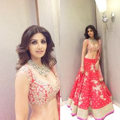 Shilpa Shetty looking gorgeous in a lehenga by Anushree Reddy before the star walked the ramp for the designer at Lakme Fashion Week Winter Festive Indian Lehenga, Red Lehenga, Lehenga Choli, Anarkali, Indian Wedding Outfits, Pakistani Outfits, Indian Outfits, Indian Weddings, Ethnic Outfits