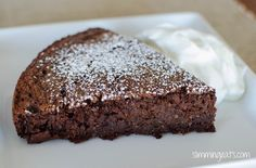 Slimming Eats Recipe Green – syns per serving Extra Easy – syns per serving Original – syns per serving Chocolate Scan Bran Cake Print Serves 6 Author: Slimming Eats Ingredients 6 Scandinavian Crisp Breads (scan bran) syns) of self rai Low Syn Chocolate, Chocolate Slice, Healthy Chocolate, Chocolate Recipes, Slimming World Sweets, Slimming World Puddings, Slimming World Recipes, Wrap Recipes, Easy Cake Recipes