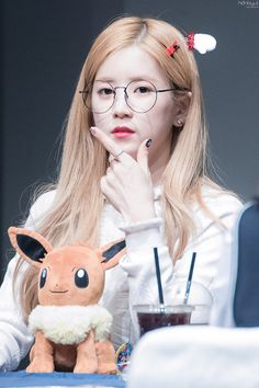 Apink - Chorong Kpop Girl Groups, Korean Girl Groups, Kpop Girls, Panda Eyes, Kpop Hair, Pink Panda, Cha Eun Woo, Girls With Glasses, Korean Music